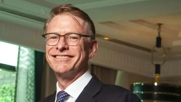 Former Crown CEO Ken Barton